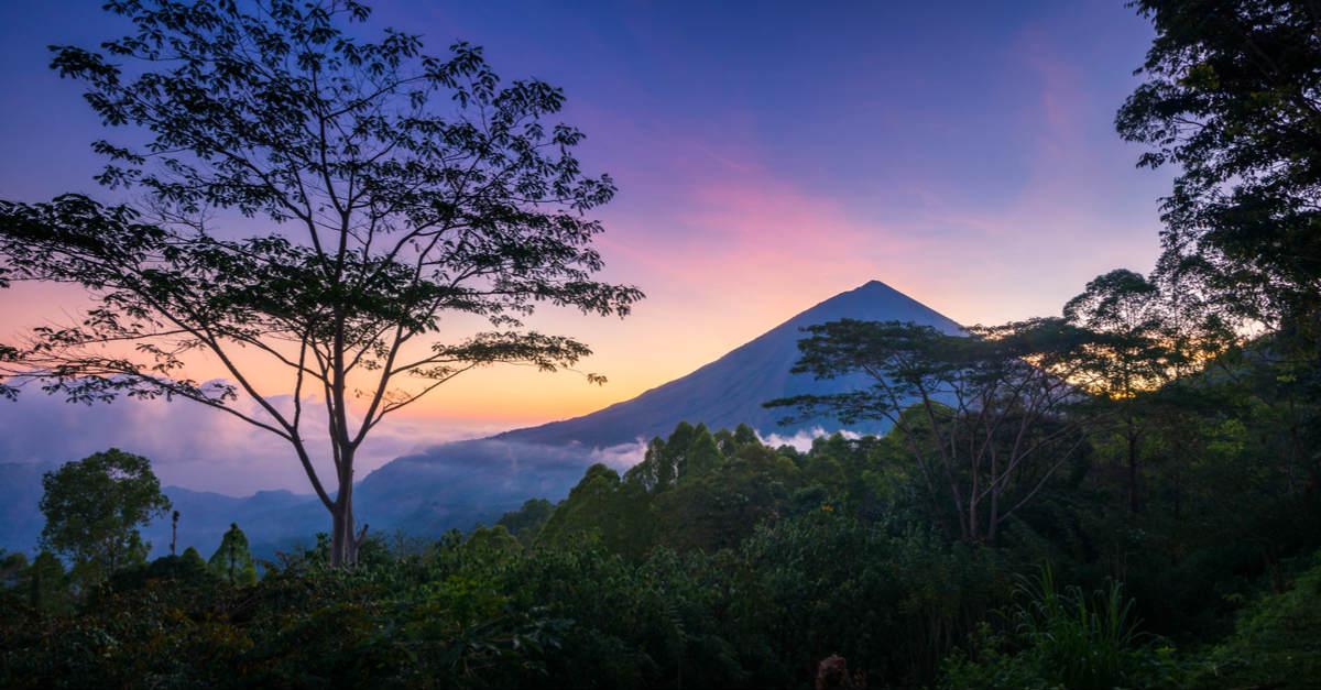 Flores-volcano.jpg